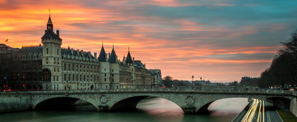 Paris Bridge at Twilight: Walking tour vacation in Paris, France. Watercolor sketchbook travel program.