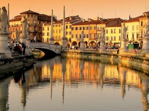 Italy walking vacation tour Padua Venice Verona