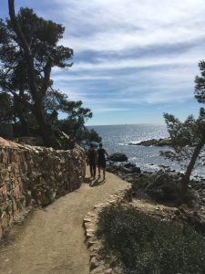 ArtWalk, Spain, Lapin, walking barcelona and costa brava
