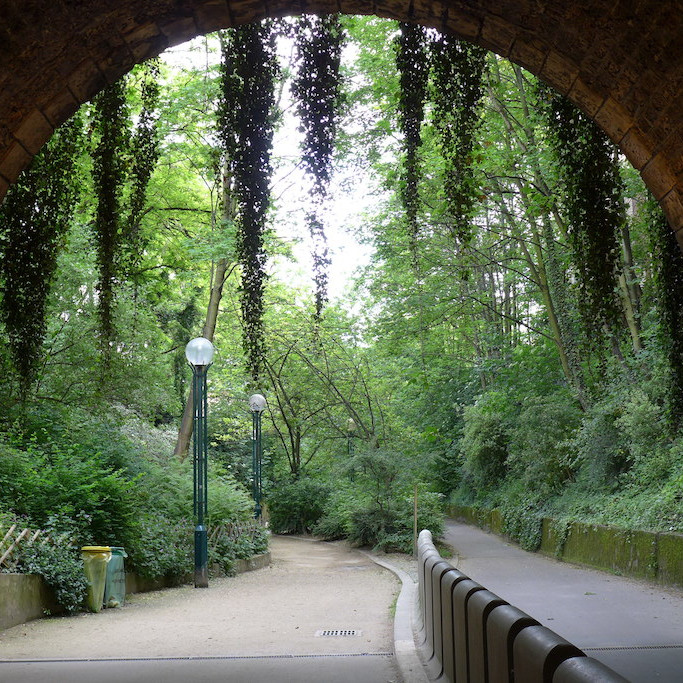 Promenade-plantee-Paris-Coulee-verte-tunnel square
