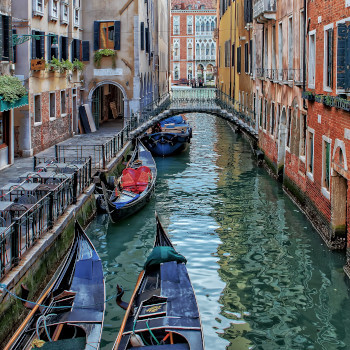 Canal in Venice Italy walking vacation